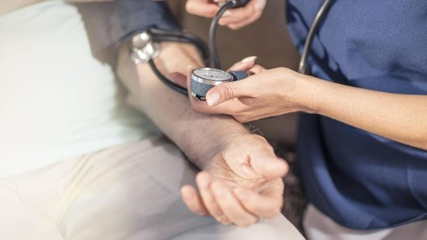 Zu hoher Blutdruck: Werte senken auch ohne Medikamente